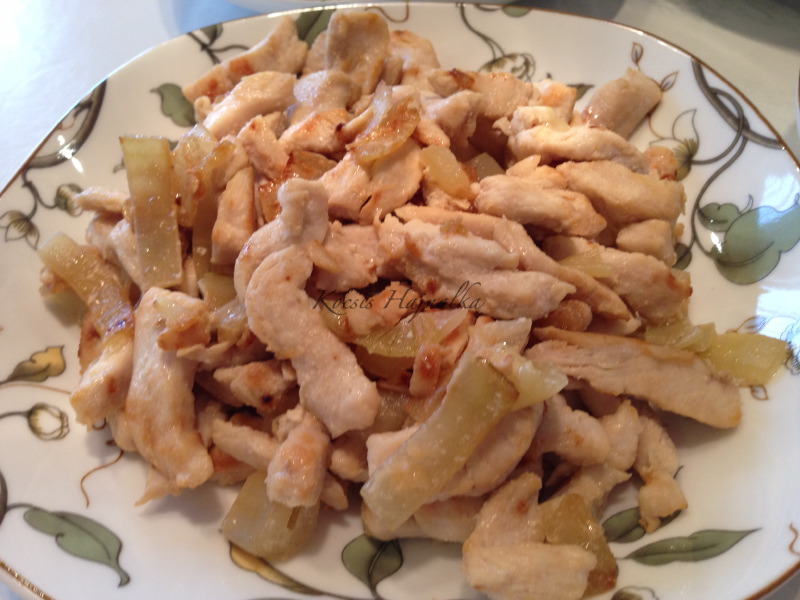 kínai hagymás csirkemell, Kocsis Hajnalka receptje, www.mokuslekvar.hu